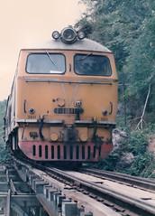 Thailand - Burma Railway - Kra Sae trestle (railasia) Tags: trestle thailand infra nineties kanchanaburi srt henschel krasae burmarailway wangpho metergauge series3000 dhlocotrain