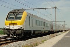 NMBS IC-train to Ghent. (Franky De Witte - Ferroequinologist) Tags: de eisenbahn railway estrada chemin fer spoorwegen ferrocarril ferro ferrovia