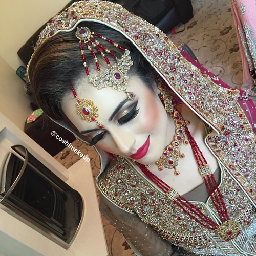 Realbride This Pakistani Bridal Style Bridal Hair