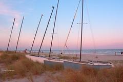 Sunset - Charleston SC (artuza) Tags: sunset sea beach sailboat atardecer mar playa charlestonsc veleros romanticsunset atardecerromantico