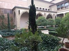 Zaragoza | Palacio la Aljafera | Palacio (moverelbigote) Tags: restaurant la comida restaurante zaragoza eat arabe castillo cafetera comidas palacio musulman aljafera palaciodelaalfajera moverelbigote palaciolaalfajera