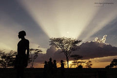 Ethiopian sunset (alfonstr) Tags: africa sunset sky man black men home silhouette backlight clouds canon contraluz landscape atardecer negro silhouettes cel paisaje cielo nubes 7d puestadesol silueta hombre 1022 nuvols paisatge contrallum ethiopian alfons etiopia 2015 alfonstr