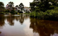 Waterfront canals of Bethany Beach, DEware (delmarvausa) Tags: bbde bethanybeach delaware sussexcounty bethanybeachdelaware delmarva coastaldelmarva bb bethanybeachde smalltown townsofdelmarva southerndelawaware beachtown homes canal waterfront