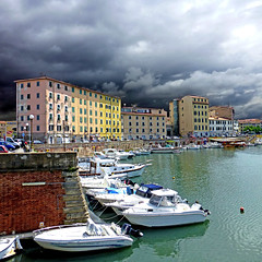 Livorno, Toscana, Italia (pom.angers) Tags: panasonicdmctz30 2016 april livorno toscana italia italy europeanunion harbor harbour boat 100 150