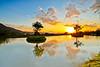 水樣淡水 ( 七 ) (686阿鴻) Tags: 風景 倒影 夕陽 黃昏 雲彩 山陵 植物