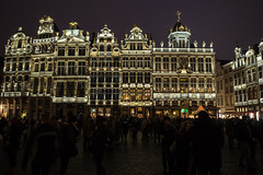 Flamboyant Grand Place (Aymeric Gouin) Tags: belgium belgique europe bruxelles brussels architecture grandplace city ville capital light lumière nuit night dark sombre crowd building travel voyage lowlight christmas noel olympus omd em10 aymgo aymericgouin