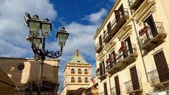 IMG_8156 - in piazza (molovate) Tags: fanali torre tafme piazza esterno volate street photo marsala canon cielo azzurro nuvole molovate tetto sx40 balcone palazzo fiorito powershot hs