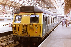 BRITISH RAIL 304005 (bobbyblack51) Tags: british railways class 304 electric multiple unit 304005 manchester piccadilly station 1994