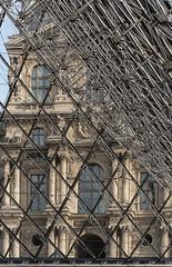 Palais du Louvre, Paris (jacqueline.poggi) Tags: france ieohmingpei iledefrance louvre muséedulouvre paris pyramidedulouvre thelouvremuseum architecture architecturecontemporaine contemporaryarchitecture