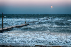 Strong winds at Haraoka coast (shinichiro*) Tags: 南房総市 千葉県 日本 jp 20170113ds41647editedithdr 2017 crazyshin nikond4s afsnikkor2470mmf28ged 原岡海岸 chiba japan 月 moon january winter 32373044216