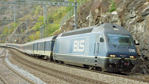 Re 465 016