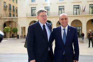 El President de la Generalitat, Ximo Puig, mantiene una reunión con el alcalde de Alicante, Gabriel Echávarri. 21/02/17