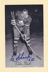 1944-63 Beehive Hockey Photo / Group II - EDDIE SHACK (Left Wing) - Autographed Hockey Card (Toronto Maple Leafs) (#448) (Baseball Autographs Football Coins) Tags: hockey beehive 1934 1967 19341967 groupi groupii groupiii woodgrain torontomapleleafs bostonbruins newyorkrangers montrealcanadiens chicagoblackhawks detroitredwings montrealmaroons newyorkamericans card photos hockeycards brooklynamericans eddieshack leftwing