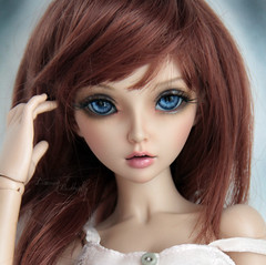 her eyes <3 (Dancing*Butterfly) Tags: tan bjd fairyland celine mnf minifee eludys