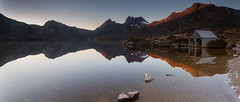 Cradle Mountain Sunrise Pano (RoosterMan64) Tags: panorama reflection sunrise panoramic tasmania boatshed dovelake cradlemountain