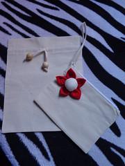 Necessaire de tecido com flor para a bolsa Tique (Costurinhas da Sueli - Festejando 6 anos) Tags: flor bolsa tecido necessaire