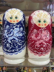 IMG_6584 (rufusowliebat) Tags: newyork brooklyn russia brightonbeach firstdayofspring matroyshka russiannestingdolls russianmerchandise
