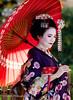 Geisha (Soregral) Tags: rouge portrait maquillage blanc japon kyoto geisha ombrelle white coiffure kimono japan red