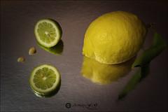 Proyecto 13/365 (Art.Mary) Tags: food aliment limón lemons amarillo yellow jaune canon bodegón stilllife naturemorte proyecto365 reflets reflections reflejos frutas fruits