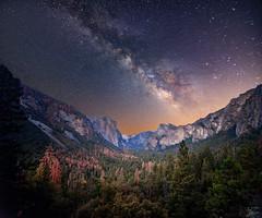 Yosemite (Emrrado) Tags: yosemite yosemitenationalpark yosemiteca california mountains montanas milkyway vialactea estrellas stars galaxy universe landscape skyscape starscape nikond610 d610 d610nikon tokina1116mm 16mm longexposure largaexposicion trees nature