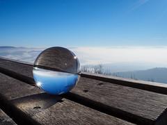 Bänkle (-BigM-) Tags: deutschland germany baden württemberg kreis göppingen fils gp bigm kugel ball glas winter hohenstaufen staufer spielburg kaiser berg mountain blau blue himmel heaven