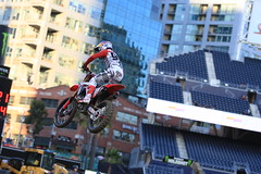 "San Diego SX 2017 • <a style=""font-size:0.8em;"" href=""http://www.flickr.com/photos/89136799@N03/32229250421/"" target=""_blank"">View on Flickr</a>"