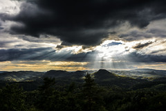 Lone Mountain (Tim Camin) Tags: landscape landschaft nature natur clouds wolken sunlight sonnenlicht strahlen light licht forest wald mountain berg berge trees bäume heaven cloudy himmel sky summer sommer sachsen deutschland saxon saxony switzerland elbsandsteingebirge nikon d7100