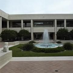 Ocala, FL, Appleton Museum of Art. Center Courtyard with Fountain (Mary Warren (8.7+ Million Views)) Tags: ocalafl appletonmuseumofart architecture building art sculpture water fountain courtyard