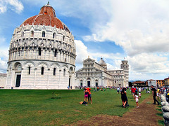 Cathedral Square, Pisa - August 2015 (constef88) Tags: summer italy holiday tower italia torre cathedral august pisa tuscany toscana leaningtower architettura hdr vacanza cattedrale 2015 allaperto dsch300