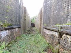 Lichfield Canal L400 Lock 18  019 (touluru) Tags: canal we l towpath lichfield brownhills essington canalheritage lichfieldcanal lhcrt lichfieldandhathertoncanalsrestorationtrust cranewyrley trailsandfieldslichfield