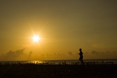 #Chennai #Beach #Morning #Jogging #Thiruvanmiyur #Sunrise (Irumporai_A) Tags: morning beach sunrise silhouete jogging chennai tamilnadu thiruvanmiyur