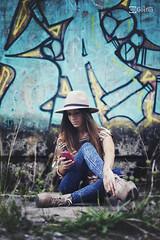 Rosa - 03 (Gorka Goitia) Tags: lighting light urban color luz fashion composition canon underground photography 50mm outfit model grafiti fashionphotography background moda style compo colores modelo hut shooting sombrero framing edition fondo mvil edicin composicin estilismo encuadre modella enfoque distrada luznatural canoneos5dmarkii luzambiental postedicin