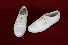 Size 8.5 White Leather Keds (Fanta_Productions) Tags: sneakers whiteshoes keds leatherkeds giftedshoes