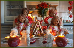Wir wünschen ... FROHE WEIHNACHTEN ... 3.000.005 (Kindergartenkinder) Tags: dolls himstedt annette kindergartenkinder advent plätzchen kostüm indoor annemoni personen kind milina tivi sanrike weihnachten 2999950200 2138 29999912317 30000052062350 24122016