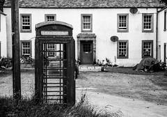 Still Working (Javiralv) Tags: old phone booth scotland united kingdom black white teléfono cabina telefónica escocia dunkeld