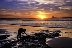 Happening at sunset - Acontecendo ao pôr do sol (Yako36) Tags: portugal peniche baleal sea seascape sunset pôrdosol nature natureza fujifilmxm1 fujinon16503556