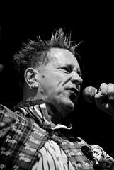 Sex Pistols - 2008 (aixcracker) Tags: sexpistols johnny rotten punk punkki live music musik musiikki helsinki helsingfors suomi finland consert konsert konsertti icehall ishallen jäähalli augusti august elokuu 2008 nikond200 iso1600 lightroom black white bw svartvit mustavalkoinen sv mv
