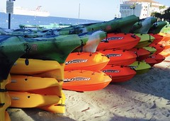 IMG_2495 (danimaniacs) Tags: catalina colorful pontoons kayak