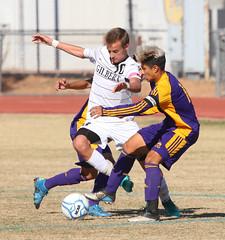 Gilbert Tigers vs Mesa Jackrabbits - 8519 (AZDew) Tags: 20162017gilbertboyssoccer boyssoccer gilberttigers highschool mesahighschool soccer statequarterfinals football