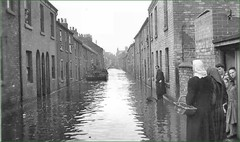 WILLOUGHBY STREET, GAINS., 1947. (forsterst39) Tags: lincolnshire floods gainsborough willoughbystreet