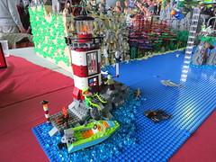 IMG_8026 (LUG Festibriques) Tags: montagne dragon lego exposition fantasy nancy hotdogs caverne fantastique 2015 scoubidou festibriques ludibriques