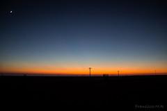 Ocaso en La Mancha (L_B_A) Tags: ocaso lamancha albacete ferrocarril laroda lagineta cr220