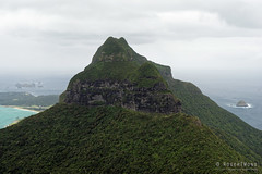 20151029-45-Mt Lidgbird from Mt Gower (Roger T Wong) Tags: trek outdoors island walk australia hike nsw newsouthwales bushwalk tramp lordhoweisland lordhowe 2015 mtgower mtlidgbird sony2470 rogertwong sel2470z sonyfe2470mmf4zaosscarlzeissvariotessart sonya7ii sonyilce7m2 sonyalpha7ii