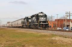 Racing to Bellevue (BravoDelta1999) Tags: railroad ohio train nw ns railway norfolkwestern norfolksouthern manifest emd sd402 3561 curtice wle wheelinglakeerie bellevuedistrict