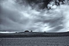 (euskometal) Tags: monochrome monocromático minimalism minimalismo bw blackandwhite blancoynegro bn clouds open