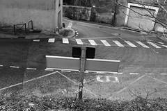 En plein tournant (ZUHMHA) Tags: door volet couleur color france géométrie geometry line ligne courbe curve angle silhouette contour matière texture grille grillage fence rond cercle circle lecastellet bois wood coeur forme heart form architecture porte abstrait extérieur bâtiment texte bordure photo noir et blanc monochrome