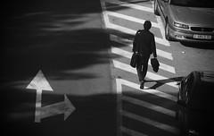 Caminando. BN (davidgv60) Tags: david60 monocromo noir caminando paseo paseopeatonal black white blackwhite photos calle blanconegro blancoynegro fotografia fujifilmhs30exr luz natural bn alcoi españa nature ocasional exterior monocromático photodgv