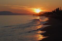 Puesta de sol en el mar (amerida59) Tags: puestasdesol mar puestadesolenelmar paisaje anochecer