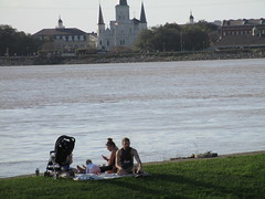 New Orleans: picnic on the river banks, Algiers (shermaniac) Tags: mississippiriver louisiana neworleansla picnics
