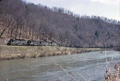 Northbound Empties Green Mountain, NC (crr200) Tags: clinchfield crr sd40 toeriver